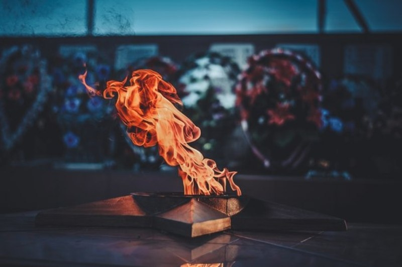 Денис Дубина_Вечный огонь