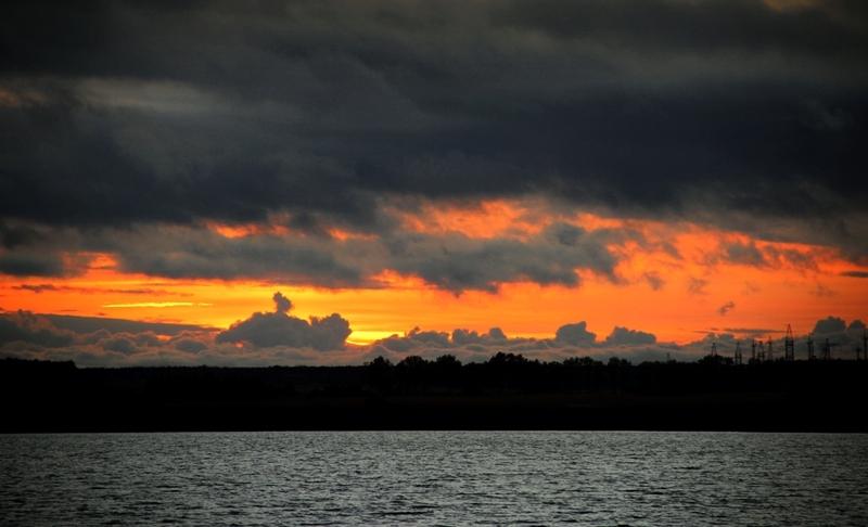Женя Тимошук_Heavy Metal облака над озером Визжар